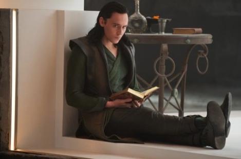 Thor-Le-Monde-des-tenebres-est-reparti-en-tournage-pour-rajouter-du-Loki_portrait_w532
